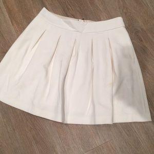 full circle mini skirt has pockets